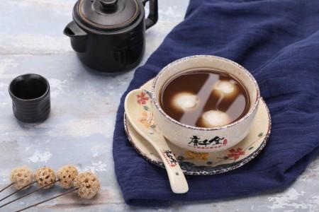 唐千金姜汁牛奶花生汤圆